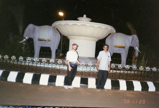 5 35o. Satish-Geeta wedding in Madras, India - Adam and Dr. Krishnamurthy at elephant circle at IIT Madras