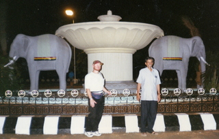 6 35o. Satish-Geeta wedding in Madras, India - Adam and Dr. Krishnamurthy at elephant circle at IIT Madras