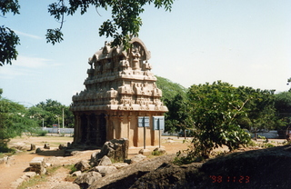 11 35o. Satish-Geeta wedding in Madras, India - temple at Mahabalipuram