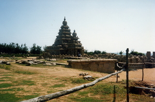 23 35o. Satish-Geeta wedding in Madras, India - temples in Mahabalipuram