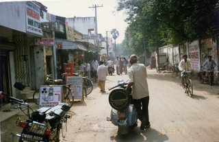 36 35o. Satish-Geeta wedding in Madras, India - market street