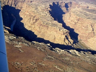 73 59p. Colorado River canyon - aerial