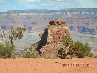 14 5t7. view from South Kaibab trail -- Ceder Ridge