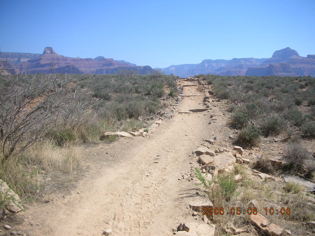 trail from Plateau Point