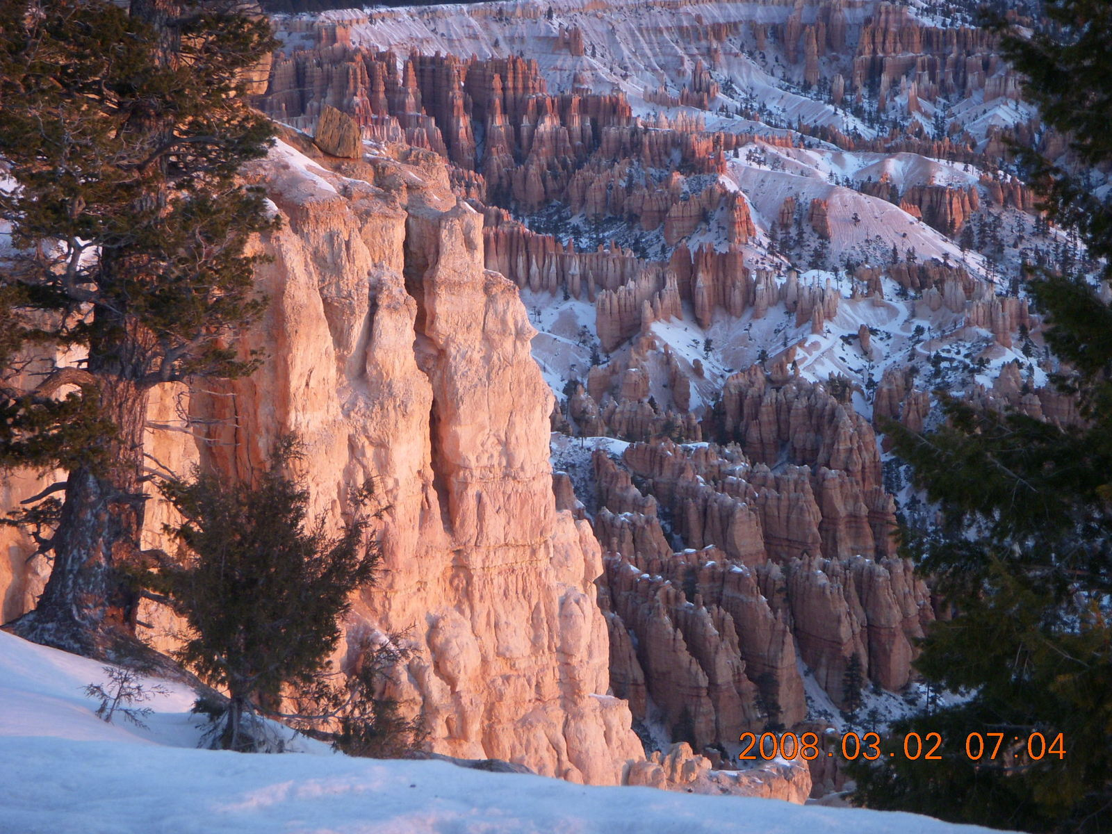 Bryce Canyon - sunrise at Bryce Point