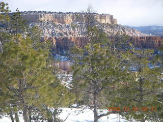 Bryce Canyon - Queens Garden hike - frozen water drainage