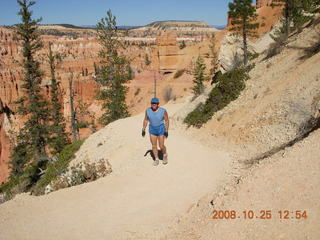 Bryce Canyon - Peek-A-Boo loop to Bryce Point