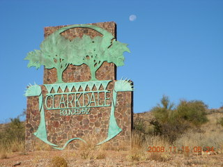 26 6pf. Cottonwood-Clarkdale run - town sign