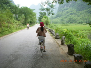 90 6xr. China eclipse - Yangshuo bicycle ride
