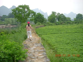 181 6xr. China eclipse - Yangshuo bicycle ride - walk to farm village - Ling
