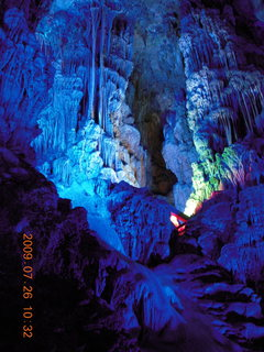 116 6xs. China eclipse - Guilin - Reed Flute Cave (really low light, extensive motion stabilization)