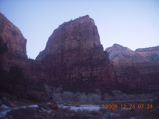 7 72q. Zion National Park - Angels Landing hike