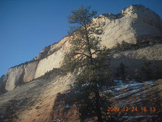 145 72q. Zion National Park - drive