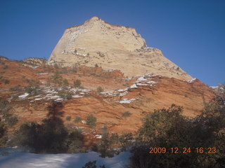 155 72q. Zion National Park - drive