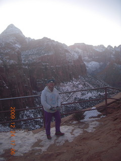 160 72q. Zion National Park - Canyon overlook - Adam